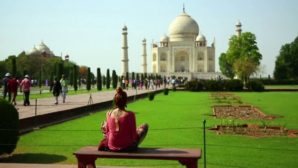Two days Agra sightseeing Taxi Service with Fatehpur Sikri